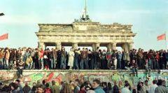 Αμέτρητα τα «ταξικά τείχη» μετά την πτώση του τείχους του Βερολίνου