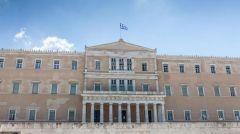 Ψηφίστηκε η τροπολογία που προωθεί νέες αντιδραστικές παρεμβάσεις στα οικονομικά των κομμάτων