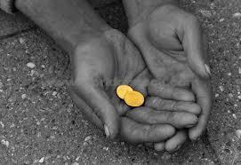Σε «ελεύθερη πτώση» το λαϊκό εισόδημα