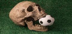 Επαγγελματικό ποδόσφαιρο, ένα πτώμα σε προχωρημένη σήψη