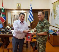 Επίσκεψη του αντιπεριφερειάρχη Ημαθίας Κώστα Καλαϊτζίδη στον διοικητή της Ιης ΜΠ, Υποστράτηγο Δεμέστιχα Πέτρο