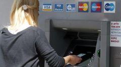 Αυξάνονται τα όρια αναλήψεων από τις τράπεζες
