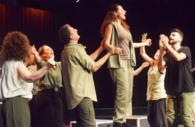 «Γιοι και κόρες»: Μία εξαιρετική παράσταση!