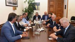 Συνάντηση του Δ. Κουτσούμπα με αντιπροσωπεία δημάρχων που στηρίζουν την πρωτοβουλία του Δήμου Πάτρας για τους πλειστηριασμούς
