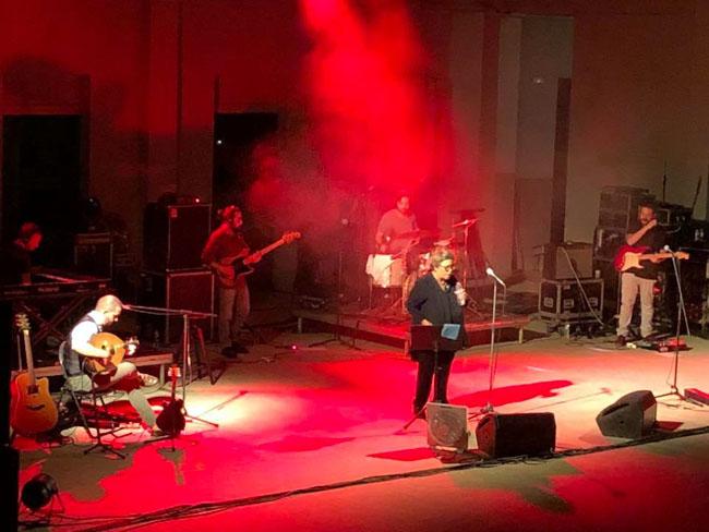 Μία αισθαντική συναυλία της Δήμητρας Γαλάνη!
