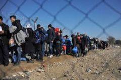 Κοκορομαχία πάνω στο δράμα των προσφύγων