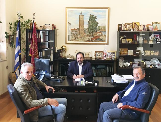 Σύμβαση για τη συντήρηση του οδικού δικτύου των Δημοτικών Ενοτήτων Απ. Παύλου, Βεργίνας, Δοβρά και Μακεδονίδος υπέγραψε ο Δήμος Βέροιας