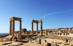 Επιμένει η κυβέρνηση στη δέσμευση εκατοντάδων αρχαιολογικών χώρων
