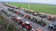 Το ρόλο του διπρόσωπου Ιανού παίζει ο υπουργός Αγροτικής Ανάπτυξης Στ. Αραχωβίτης