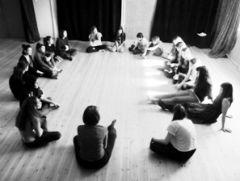 Όταν ο δάσκαλος μπαίνει σε ρόλο. Το θέατρο ως εργαλείο βιωματικής μάθησης