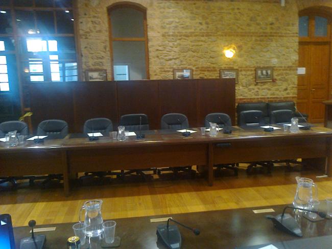 Χωρίς απαρτία, αναβλήθηκε το Δημοτικό Συμβούλιο της Βέροιας!
