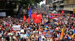 ΒΕΝΕΖΟΥΕΛΑ: Σε πλήρη εξέλιξη η κινητοποίηση για την υπεράσπιση της κυβέρνησης