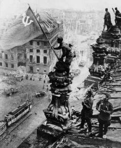 ΚΟΜΜΟΥΝΙΣΤΙΚΟ ΚΟΜΜΑ ΕΛΛΑΔΑΣ: Ανακοίνωση για τα 74 χρόνια από τη Μεγάλη Αντιφασιστική Νίκη των Λαών