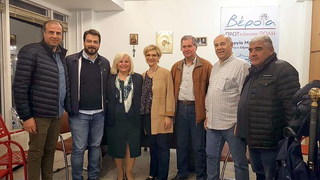 Το εκλογικό κέντρο της Γεωργίας Μπατσαρά επισκέφθηκε η Υποψήφια Ευρωβουλευτής Μαίρη Τριανταφυλλοπούλου